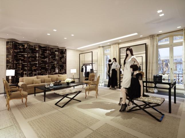 Фото - Ведущий производитель элитной дизайнерской женской одежды в ОАЭ