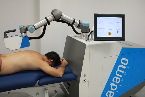 Photo 3 - Robotic technology at the service of COVID patients